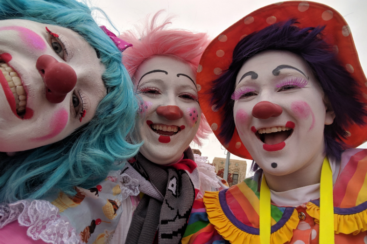 The Draeger sisters, all current or former MCC clowns, performed together for the first time in the Detroit Thanksgiving Day parade.