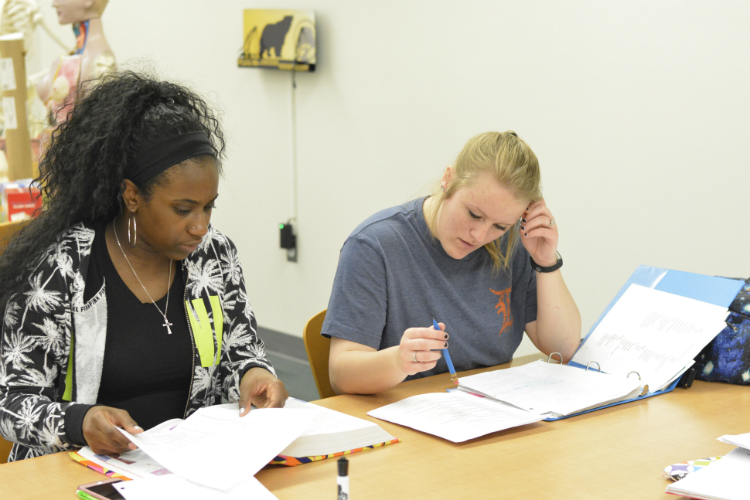 Students at Mott Community College study in one of the campus biology labs.