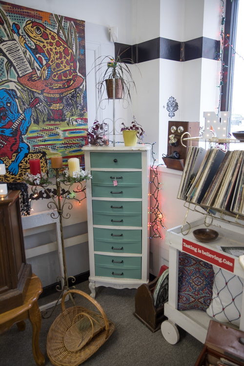Superbe Mike Naddeo; The Peace Barn Is A Consignment Shop With A Vintage Feel  Located On Third Street In