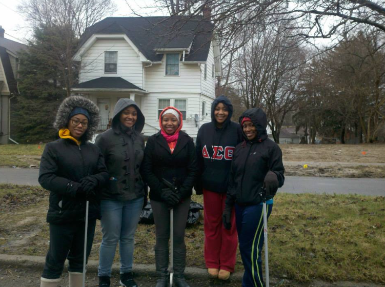 University students work with residents as part of the University Avenue Corridor Coalition.