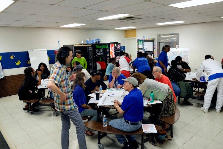 Residents and city officials broke out in focus groups at Haskell Community Center on Sept. 7, 2019, for a second round of mapping neighborhood problems and assets.